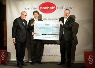 Berlin, 26. Mai 2011. Verleihung des Werner Bonhoff Preises 2011 im Haus der Parlamentarischen Gesellschaft. Preisverleihung an Kai Boeddinghaus.